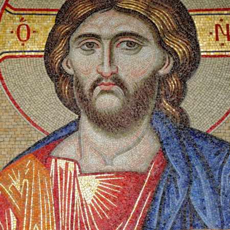 Imagen de Cristo ortodoxo pantoncrator en mosaico